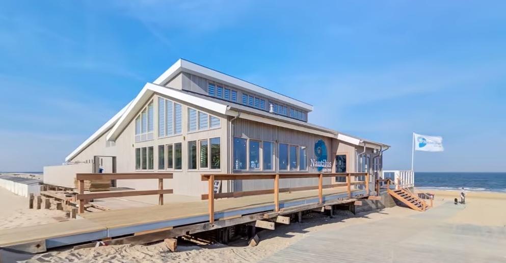 Egmonds strandpaviljoen Nautilus aan Zee maakt kans op eretitel 'Beste nieuwkomer' [video]