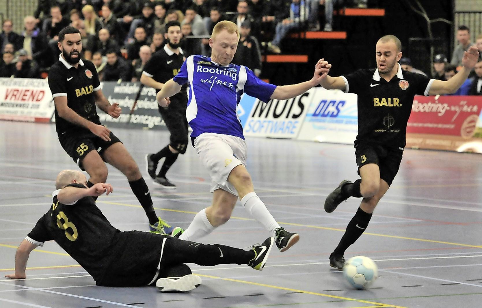 Zaalvoetballer Tom Hofkamp stapt over van FC Marlène naar White Stones