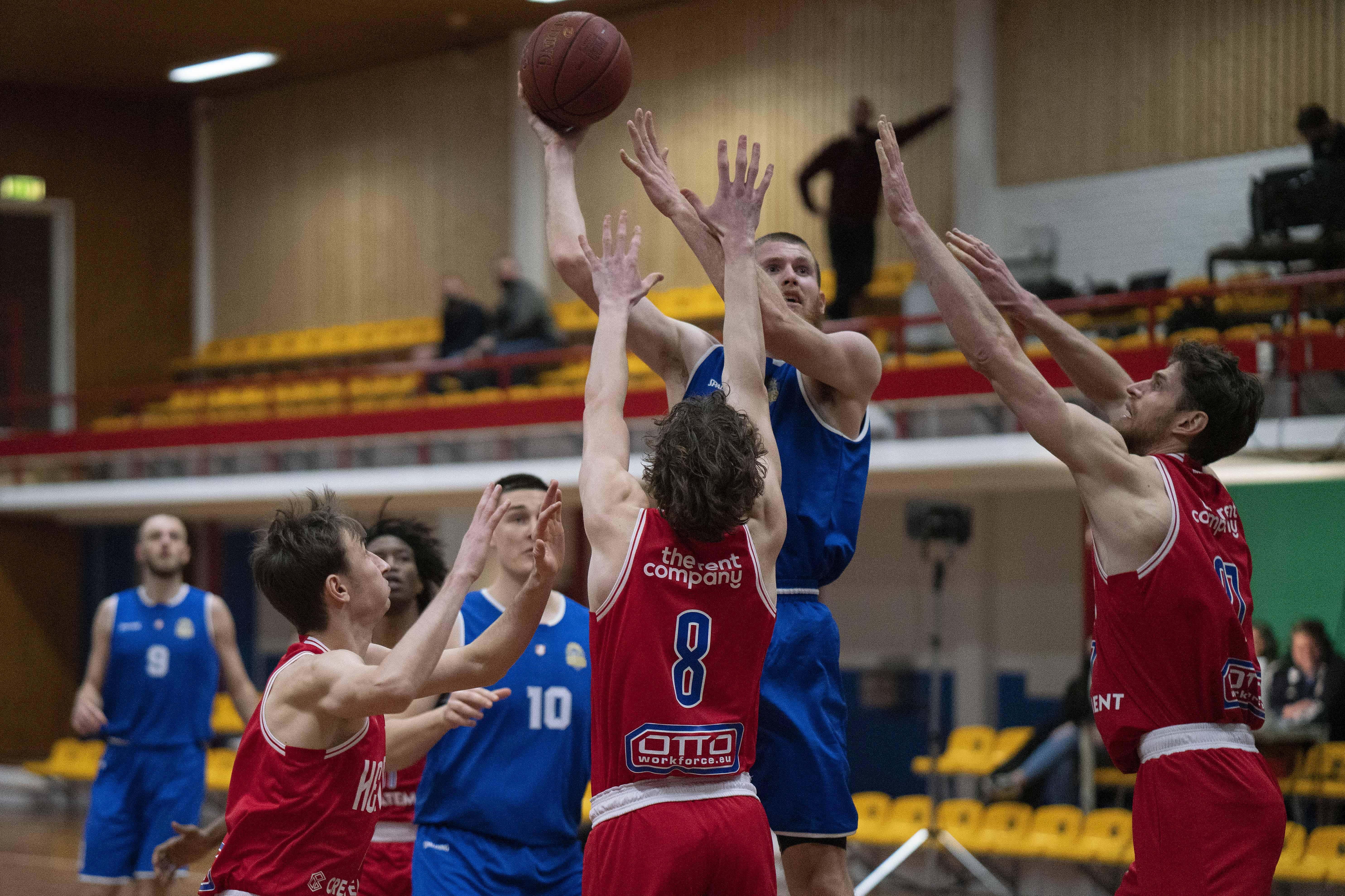 Er moet weer rekening gehouden worden met het Helderse basketbal: Suns verrast na Leiden ook Den Bosch en vrouwen kleineren Bemmel