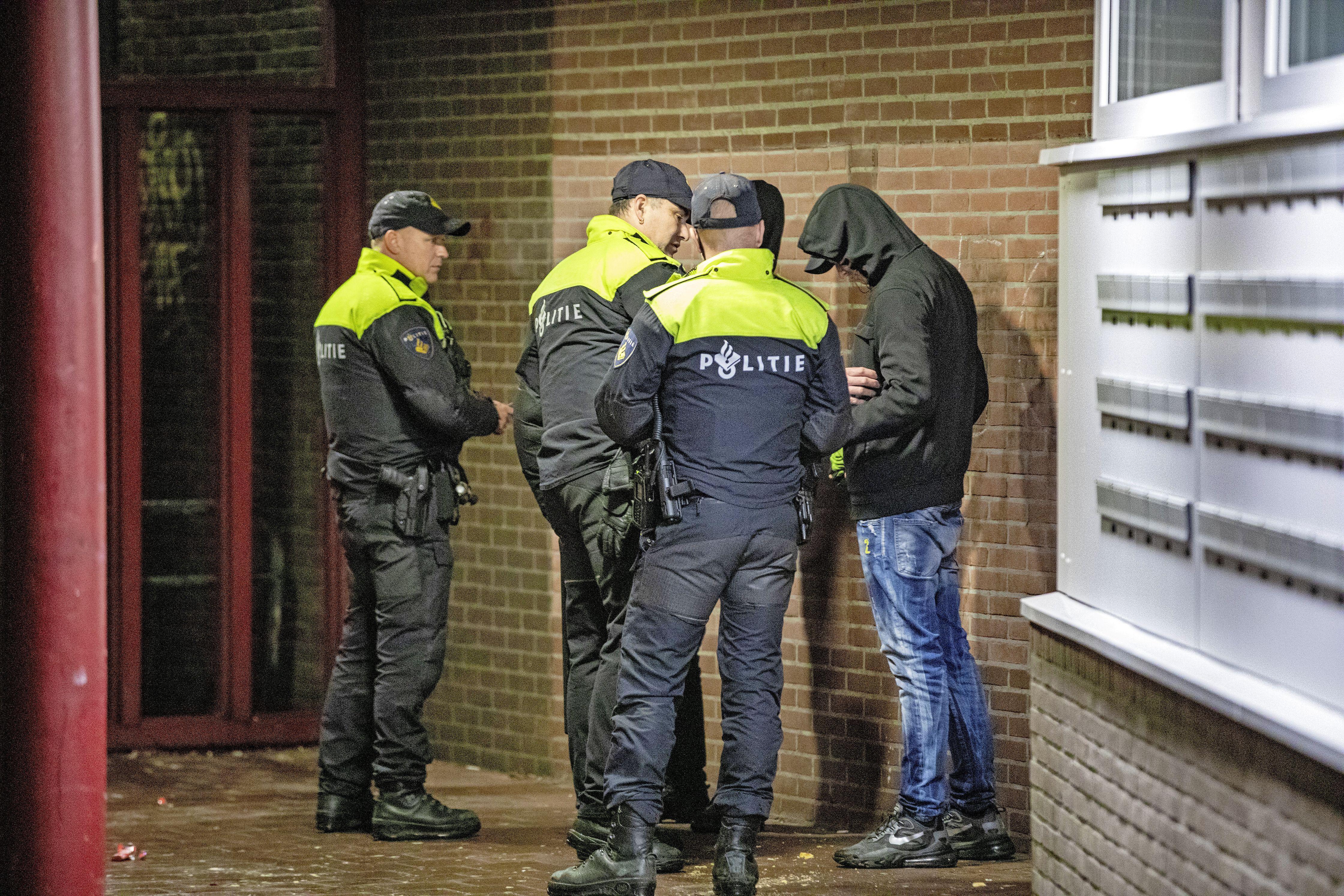 Avondklok belangrijkste reden voor een coronaboete van politie in Zaanstreek-Waterland: bijna 2000 in een jaar tijd