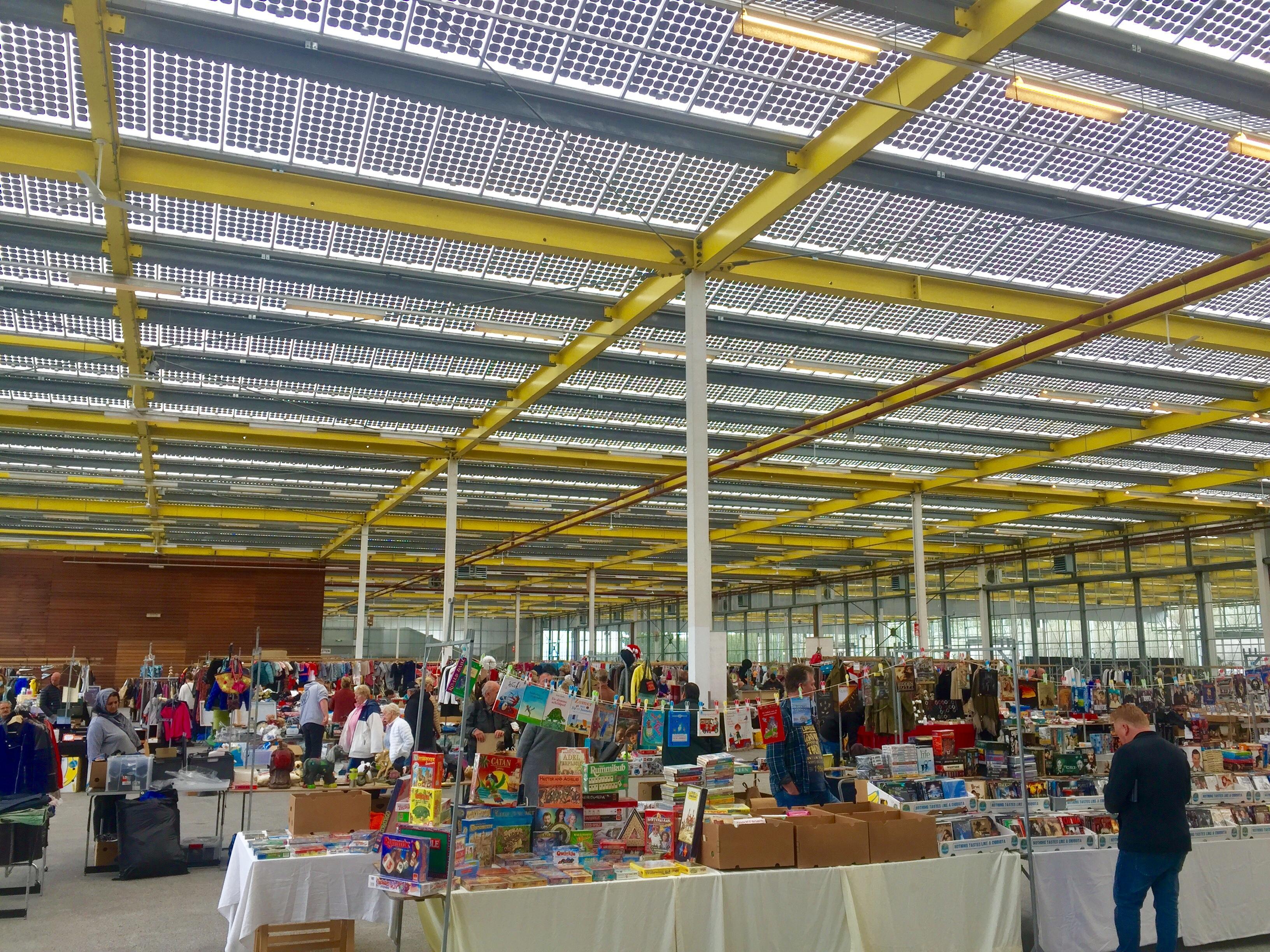 Megavlooienmarkt in Expo Haarlemmermeer toegestaan in coronatijd, evenement met honderden bezoekers tegelijk is 'doorstroomactiviteit' (update)