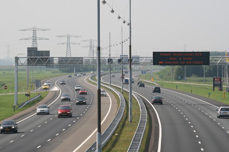 A9 bij Badhoevedorp twee weekenden 's nachts dicht; nieuw asfalt op rijbaan richting Haarlem en onderhoud aan de brug over de Ringvaart
