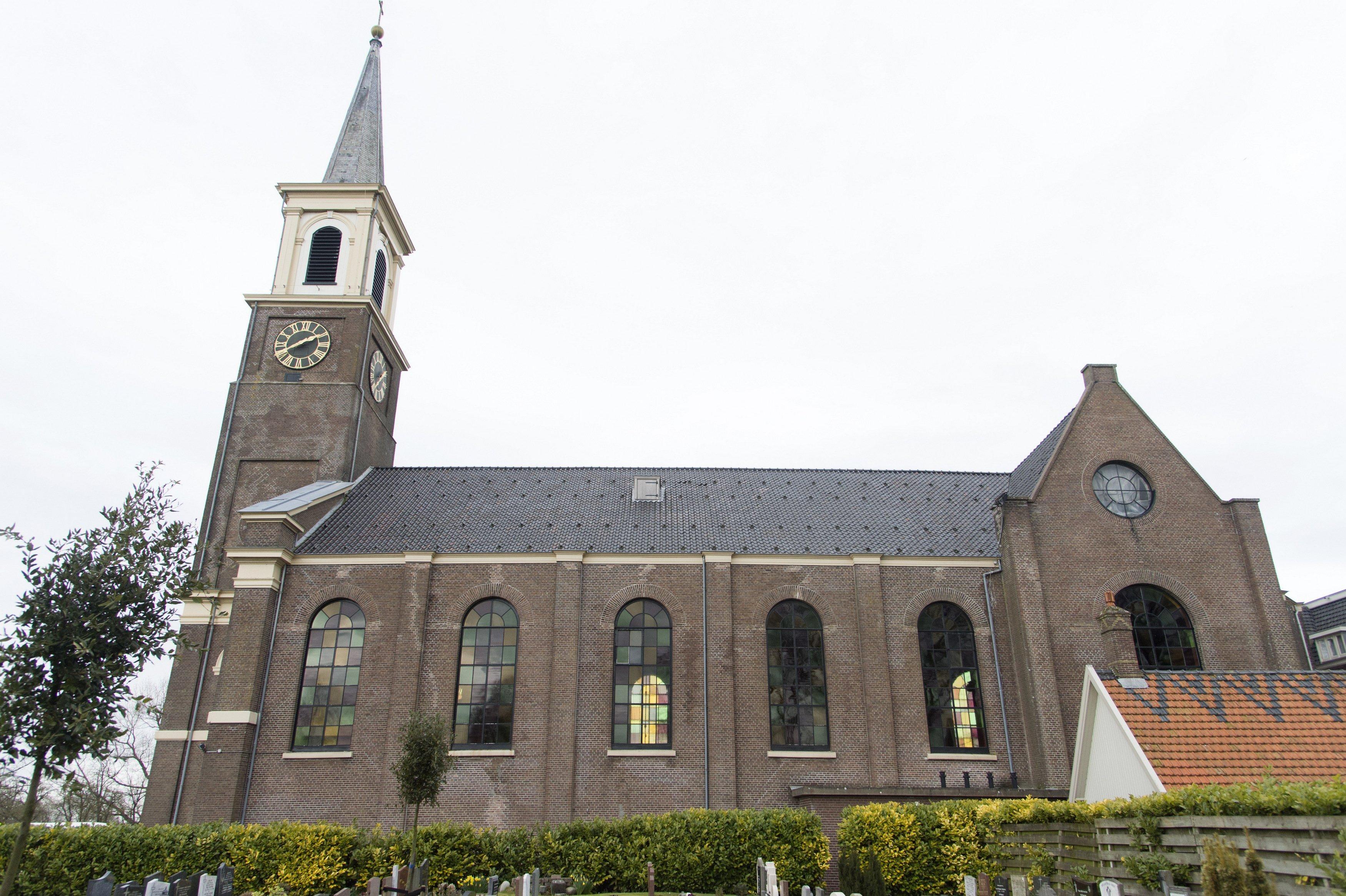 Parochie 'groot Hoorn' stoot meer kerken af