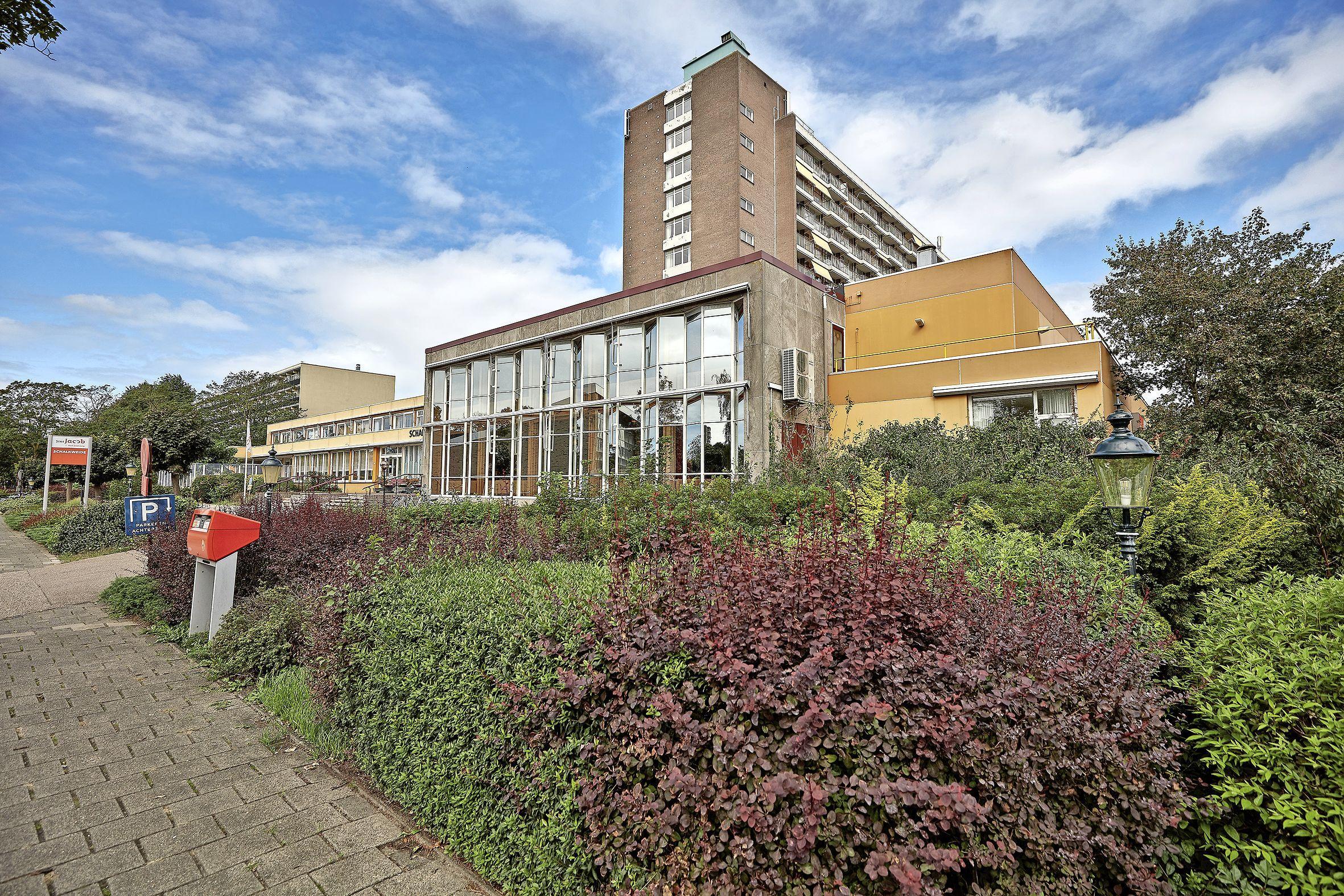 Een hoop mis in Haarlems zorgcentrum Schalkweide. 'Klopt', zegt Sint Jacob: 'Verbeteringen zijn noodzakelijk. We werken er hard aan'