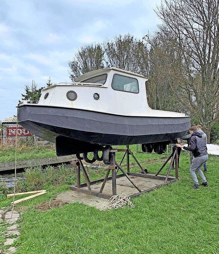 Hoogste bieder krijgt zijn naam op de nieuwe sleepboot van waterscouting in Velserbroek