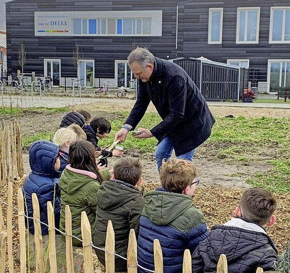 Minibos aangelegd door Assendelftse schoolkinderen