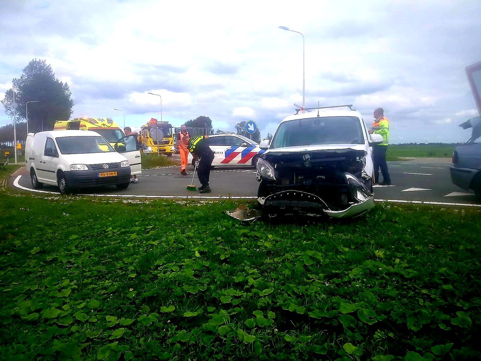 Veel schade bij ongeluk in Zuidschermer, N244 deels afgesloten