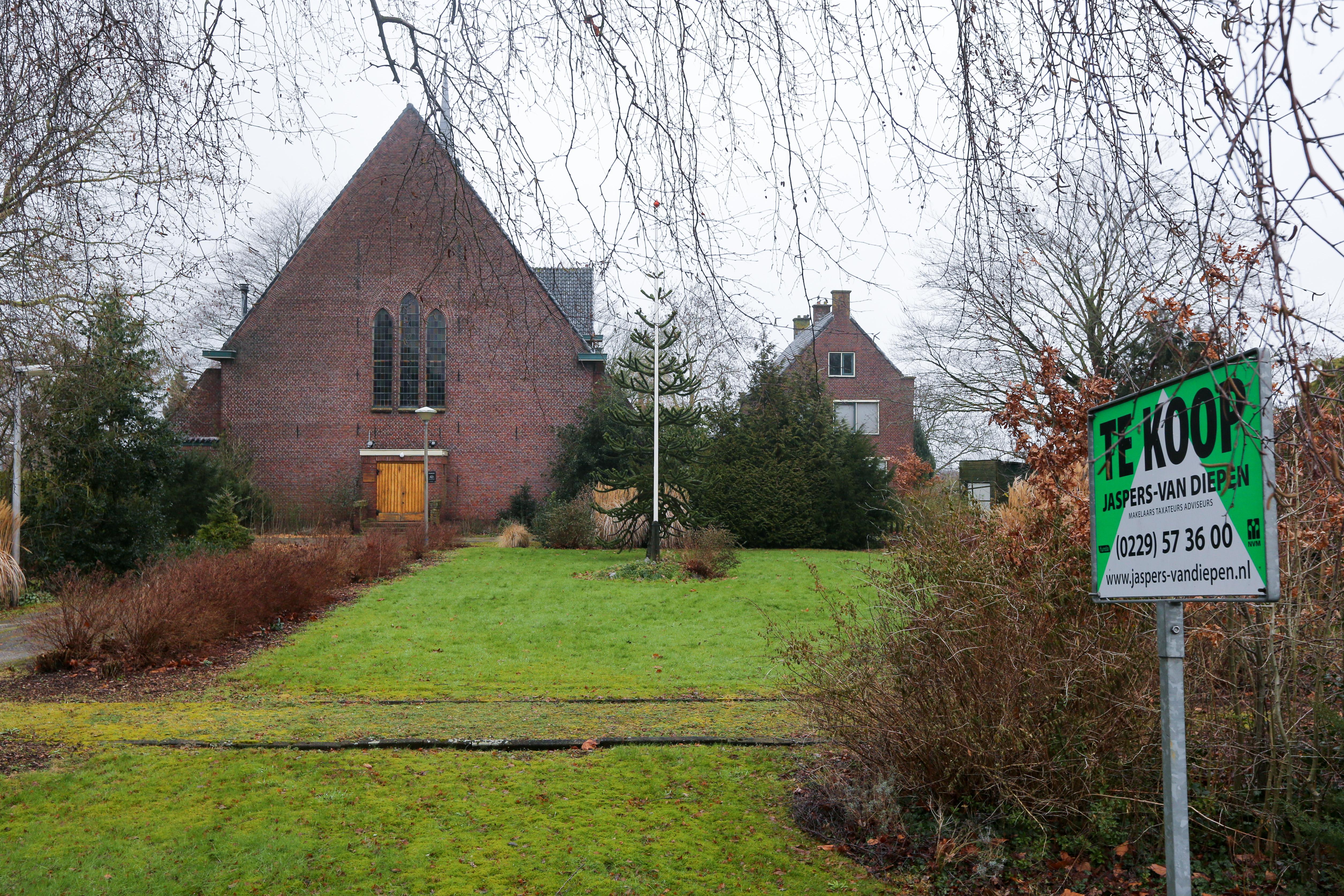 Bieden op kerk Zwaagdijk-West