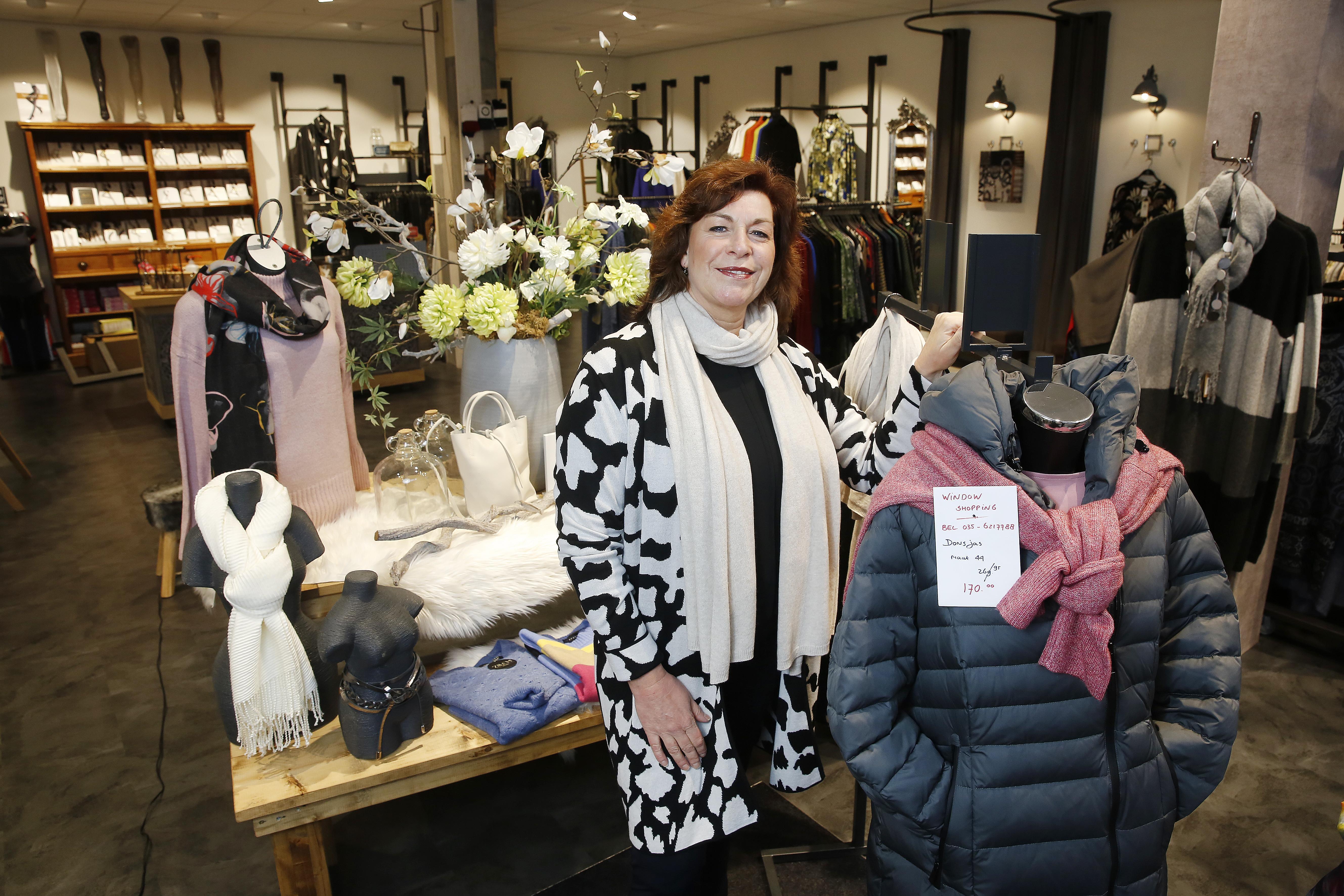 Bij de kledingwinkels werken ze zich uit de naad voor een fractie van de omzet: 'Ik denk dat we pas in maart open gaan. Wat moet ik dan nog met de wintercollectie?'