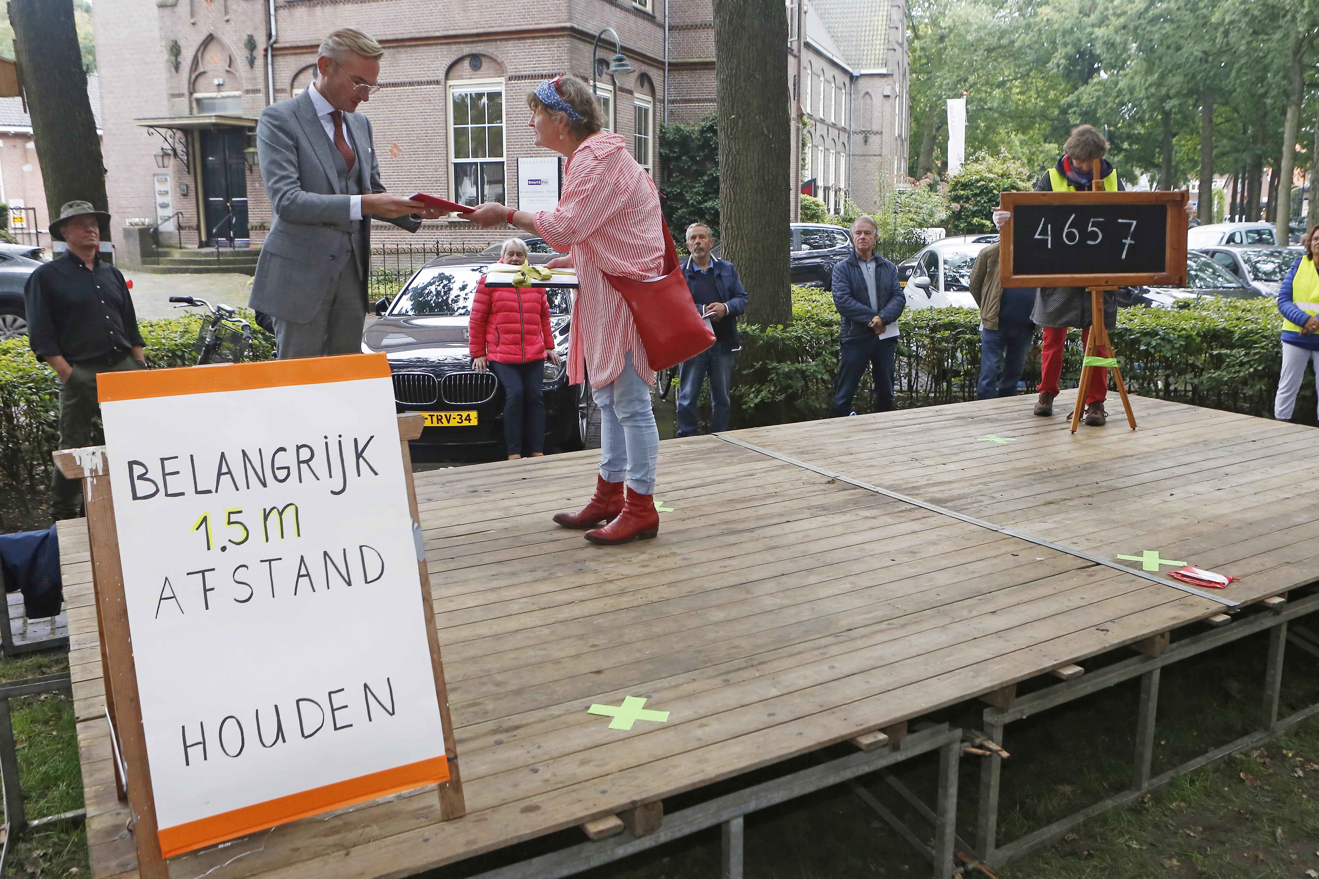 Politiek Laren gunt het volk de overwinning: streep door Brinkplan en nu heel zorgvuldig kijken wat wel en niet echt nodig is