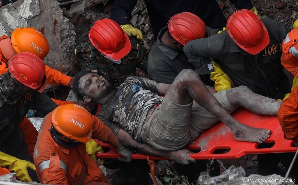 Zeker tien doden door instorten gebouw India