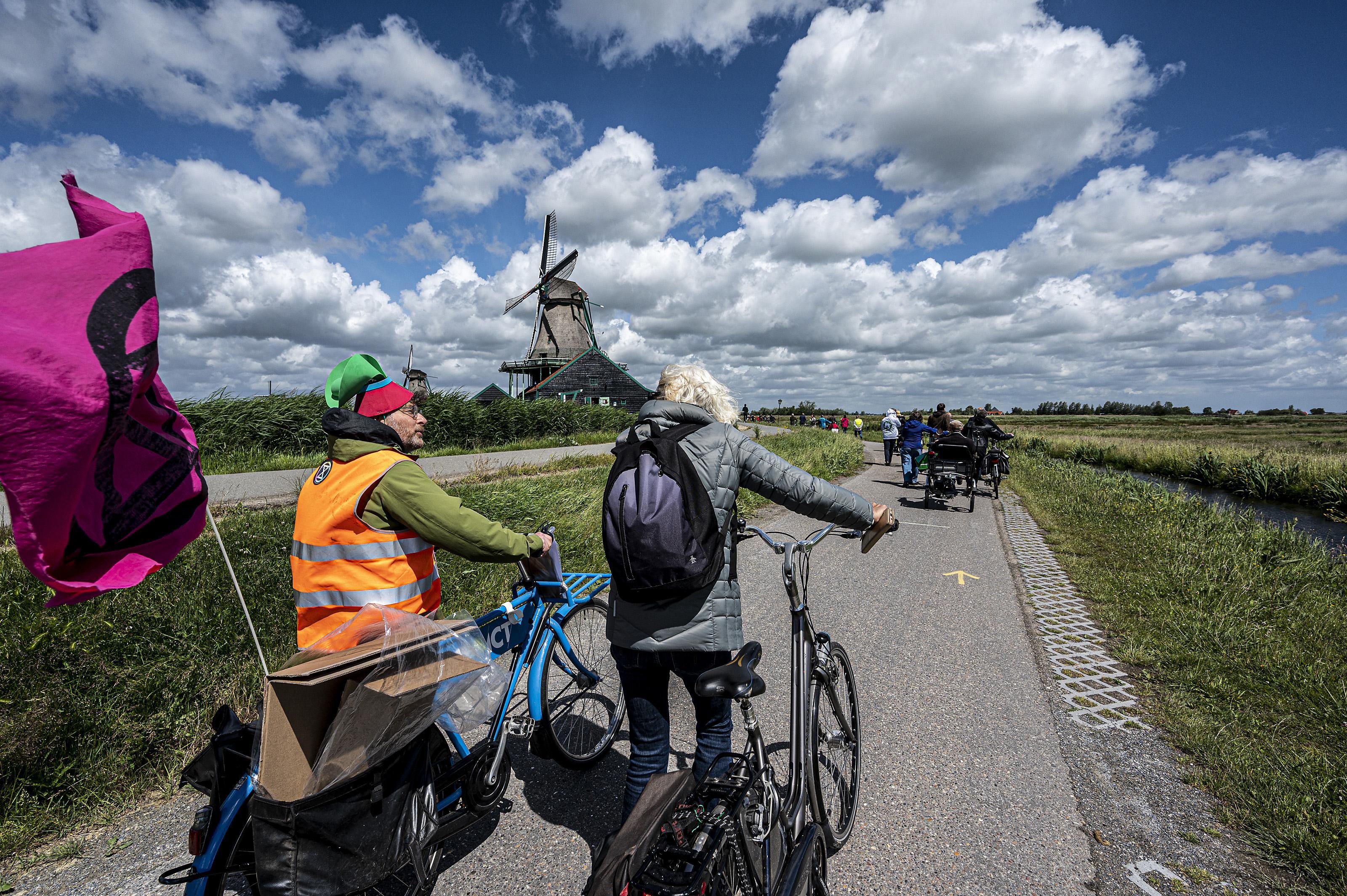 Protest wordt klein feestje; afsluiting fietspad Zaanse Schans waarschijnlijk van de baan
