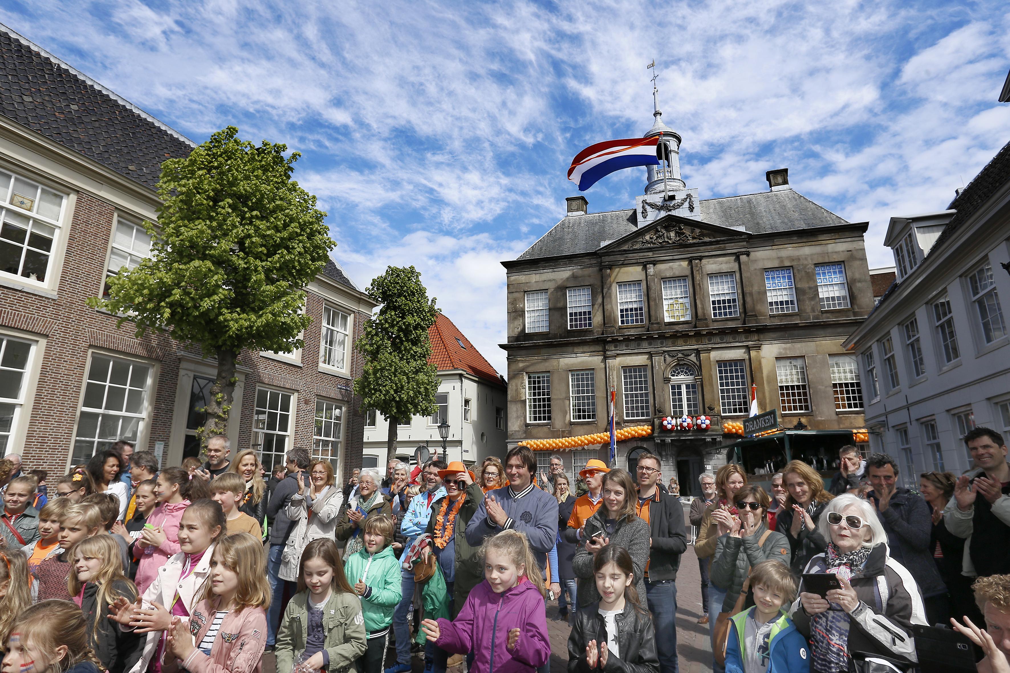 Alternatieve viering Koningsdag in Weesp met virtueel vuurwerk