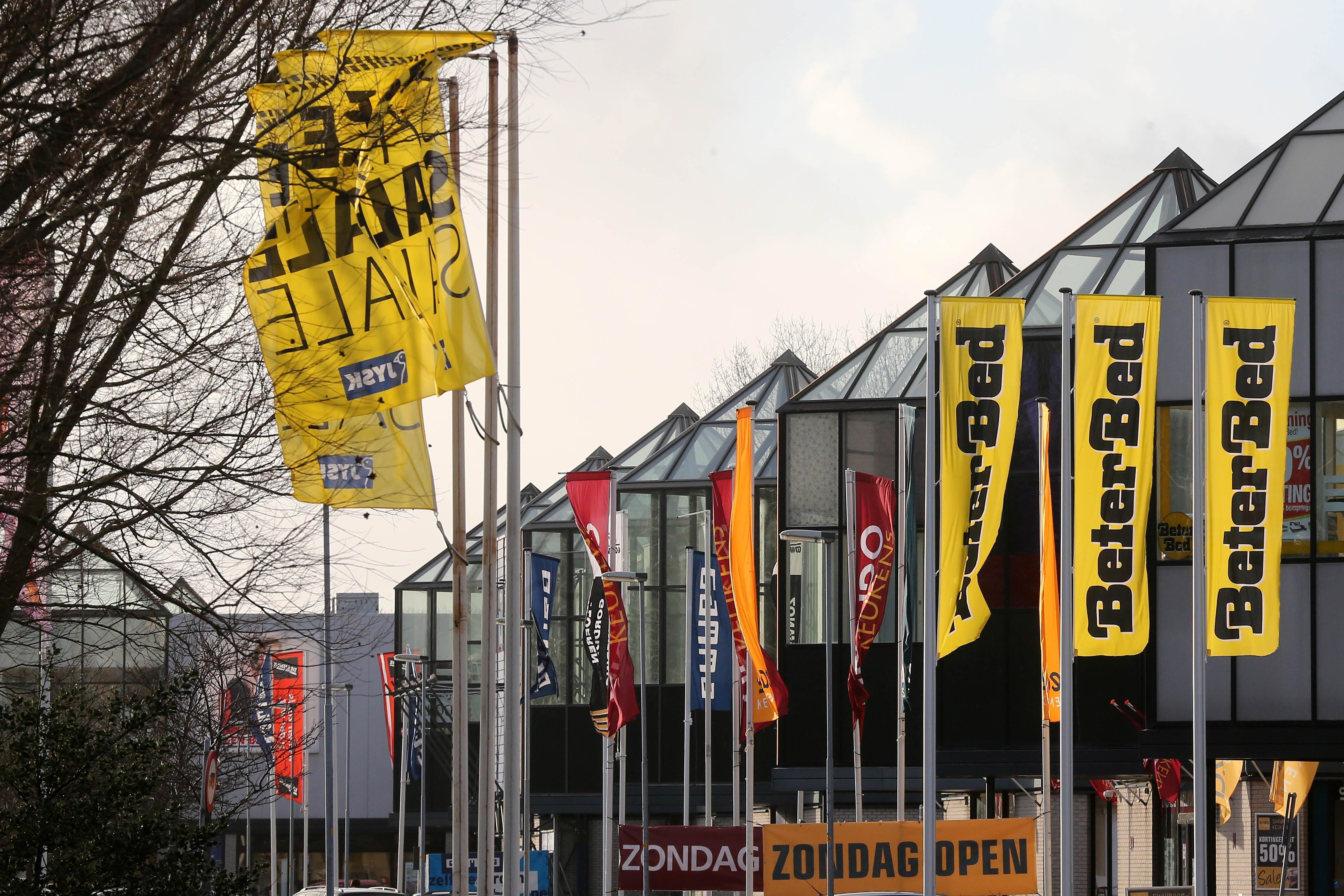 Als er horeca mag op het Ravelijncenter in Den Helder, en een coffeeshop, waarom een Aldi dan niet? Pandeigenaar probeert het via de rechter toch voor elkaar te krijgen