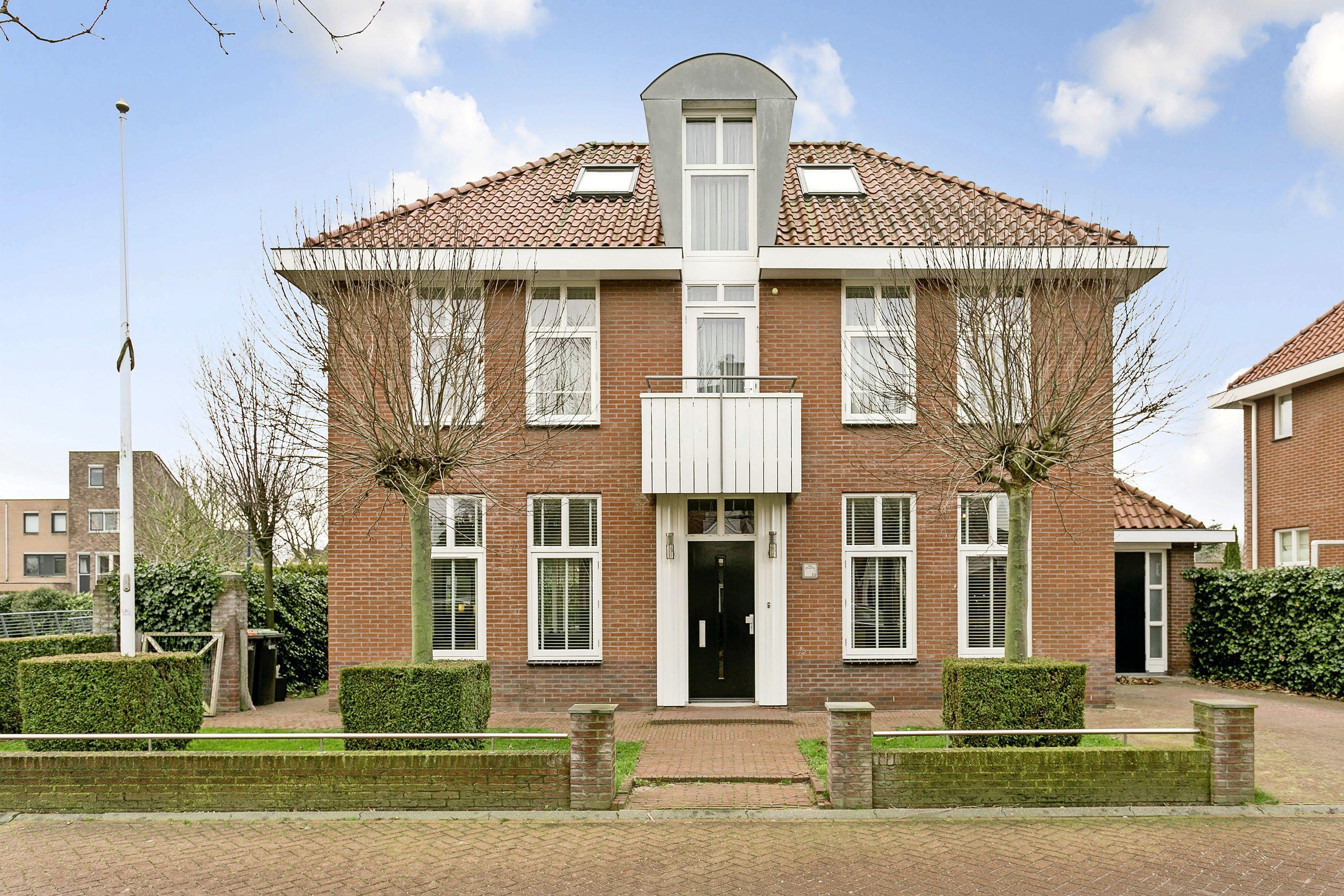 Recordprijzen door overspannen woningmarkt. Wat koop je eigenlijk voor één miljoen? Bioscoop is paradeplaatje