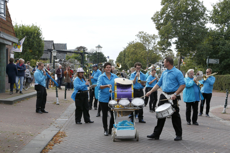 Toch een klein beetje Bloemencorso in Winkel: 'Dit is goed voor het saamhorigheidsgevoel'