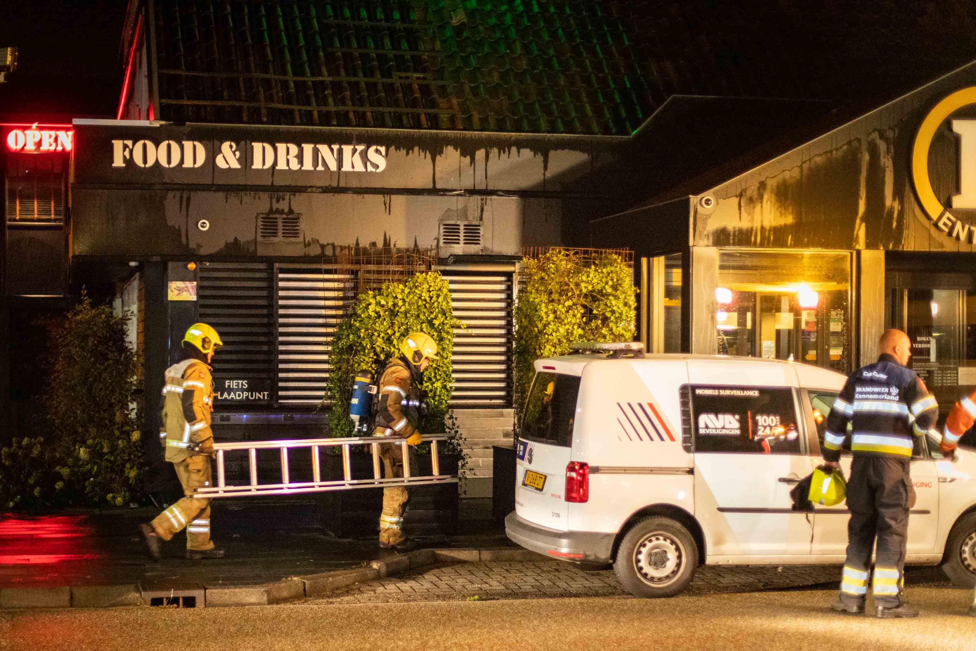 Brand bij Bobs Party Palace in Uitgeest; vuur snel onder controle