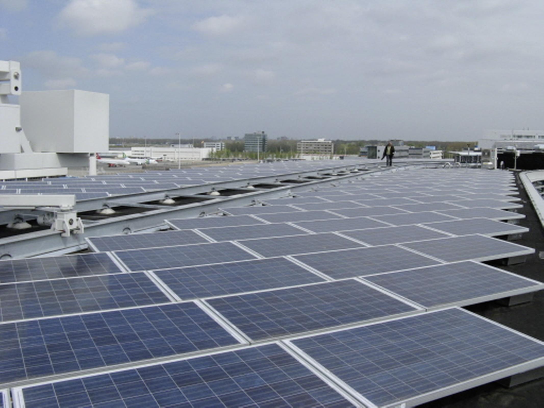 Castricum wil een beetje zonnepanelen in de eigen gemeente, maar zet zijn kaarten op kernenergie ver weg. 'Ik ben ervan overtuigd dat er elders van alles en nog wat uitgevonden gaat worden'