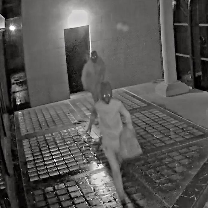 Beloning 25 mille voor tips woningoverval Schoorl. 'Vrouw werd voor ogen kinderen met pistool in het gezicht geslagen' [video]