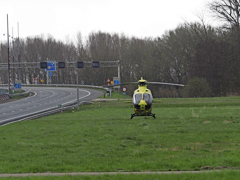 Wijkertunnel richting Amsterdam tijden lang afgesloten wegens ongeluk met vier voertuigen [update]