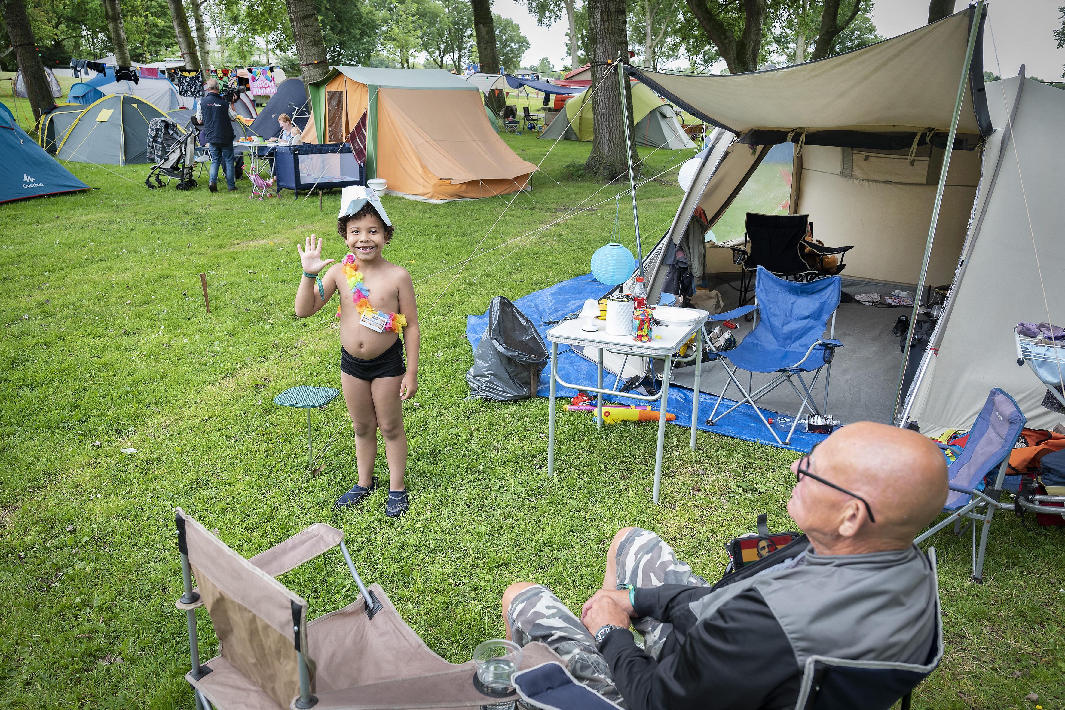 Camping trekt 150 buurtbewoners naar Haarlemse Molenplaspark