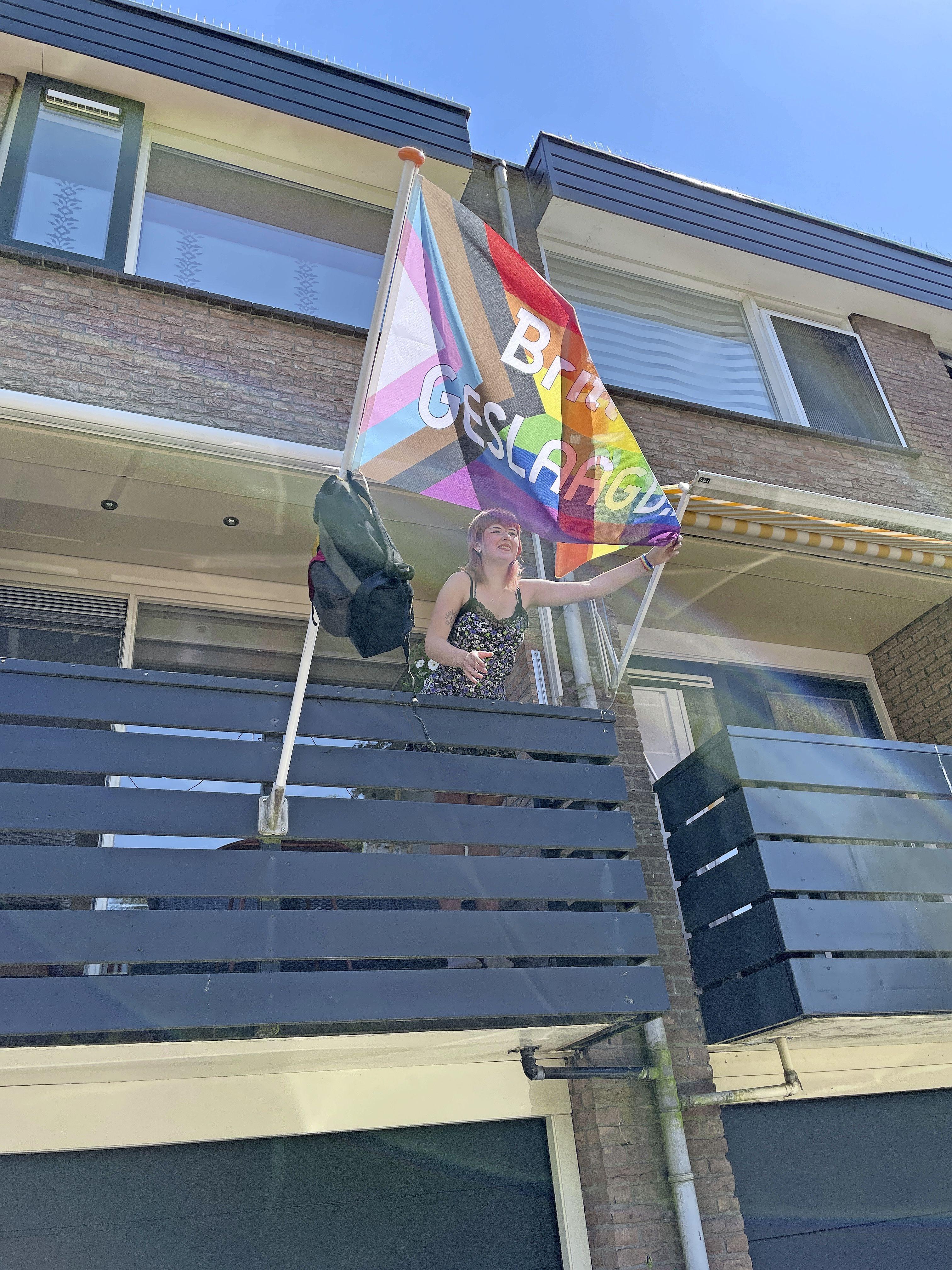 Het was donderdag feest in het Gooi, de uitslag van het eindexamen: bij deze leerlingen hangt de vlag buiten