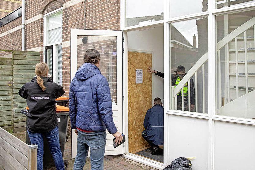 Woning vermeende Van Gogh-rover drie maanden dichtgetimmerd op last van Baarnse burgemeester; niet vanwege de kunst maar vanwege de kilo's MDMA die zijn gevonden [update]