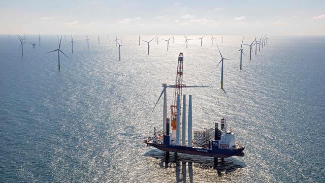 Kans op aanvaring met een windmolen op de Noordzee is gestegen. Er moeten maatregelen komen, want de komende tien jaar komen er nog 1200 molens bij