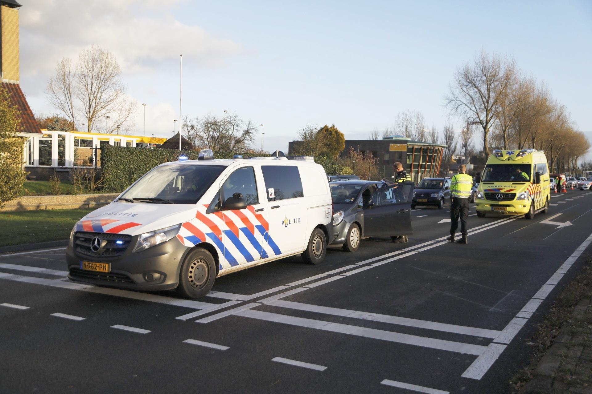 Automobilist gewond bij botsing tegen politieauto in Hoofddorp