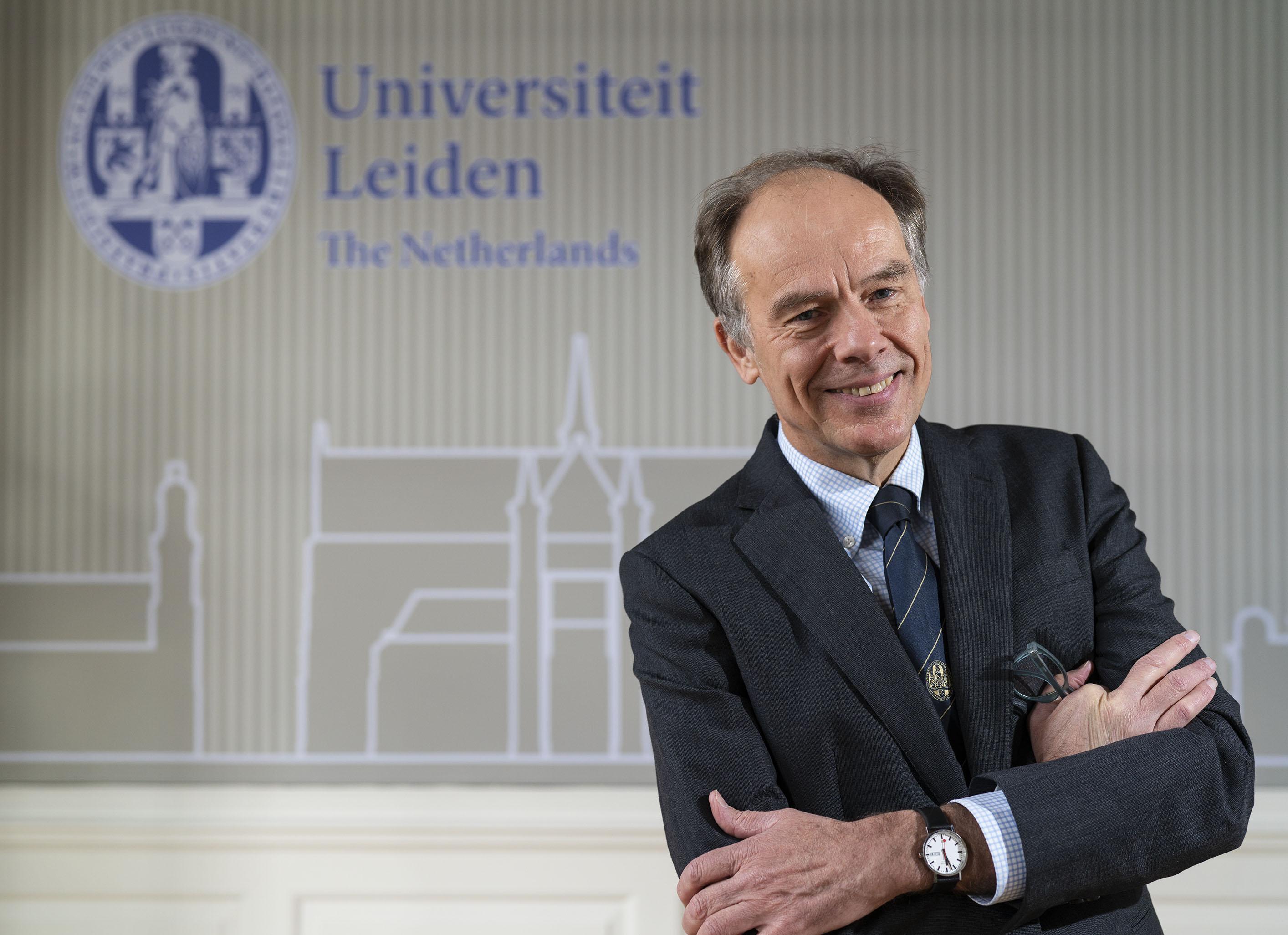 'Paul Cliteur moet afstand nemen van Baudet of opstappen als hoogleraar'