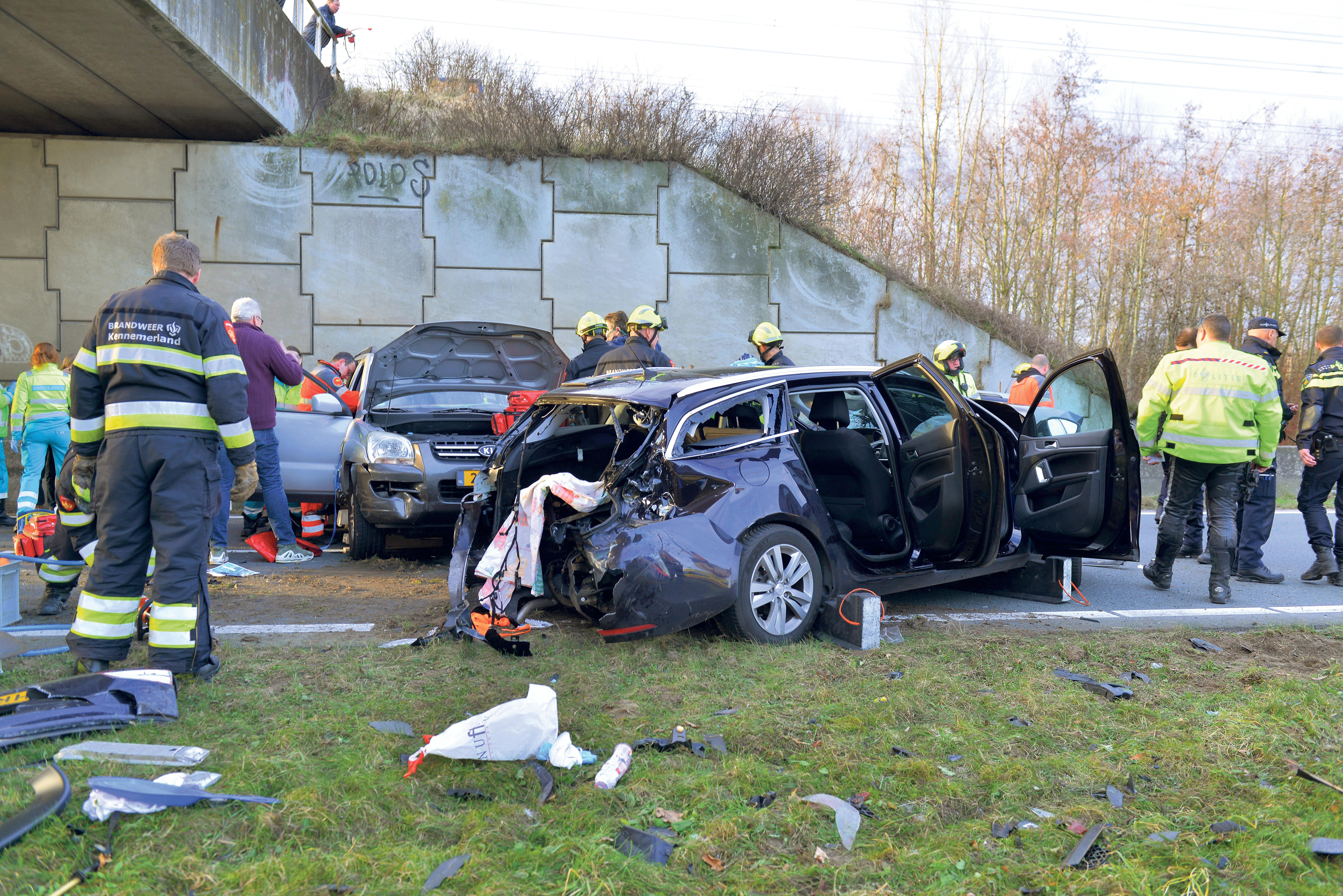 'Veroorzaker kettingbotsing is meer dan agressieve idioot'; Hoofddorper zette uit woede auto stil op Drie Merenweg