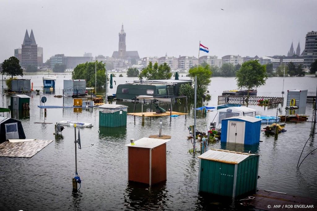 Rijkswaterstaat raadt pleziervaart op alle rivieren af