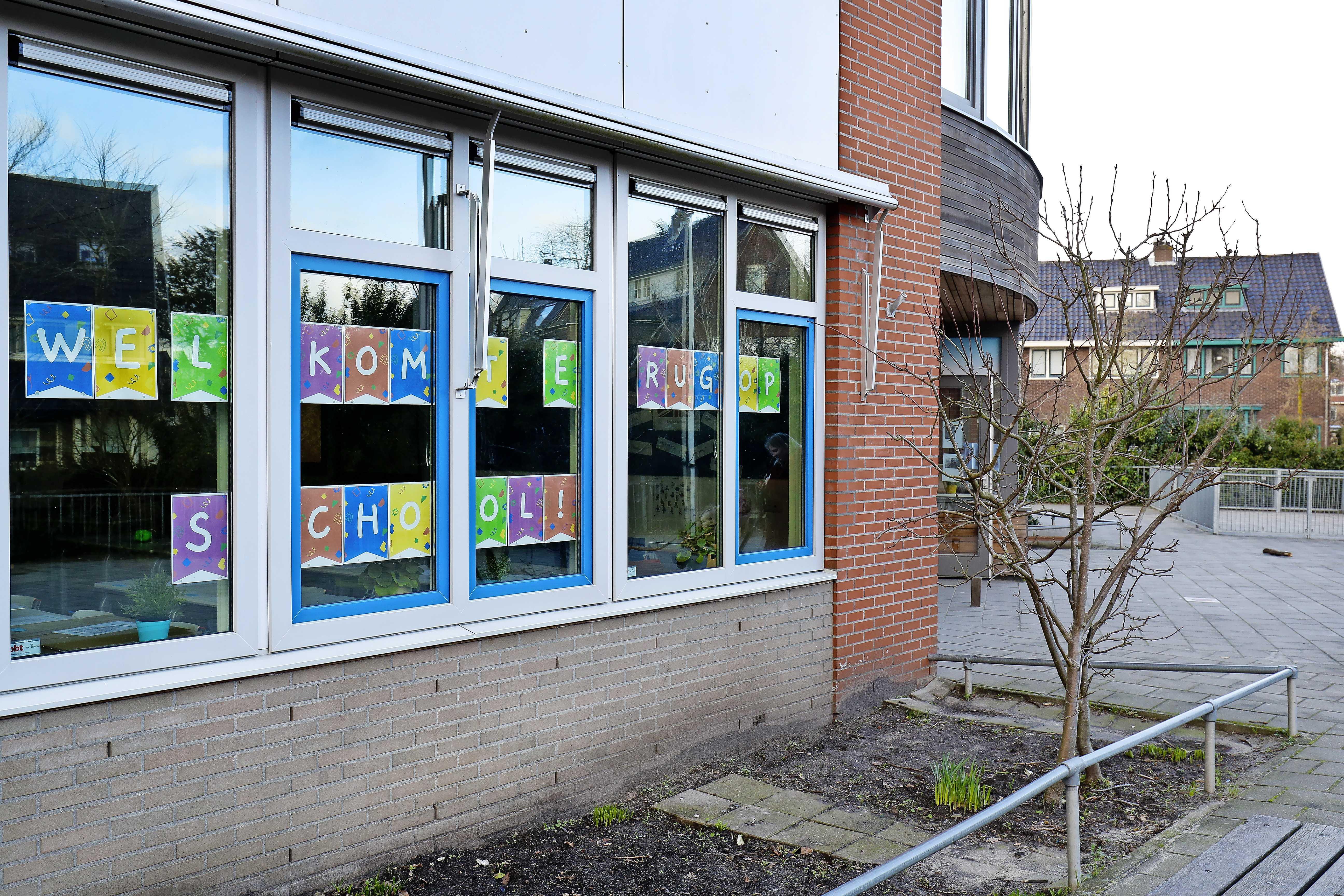 Verwachte vrieskou levert geen extra problemen op bij heropening basisscholen in de IJmond: 'gebouwen vooral tijdens pauzes geventileerd'