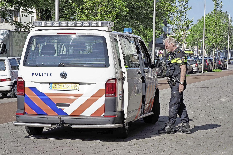 Man op scootmobiel aangereden in IJmuiden, wiel van voertuig breekt af en politie arresteert bestuurder