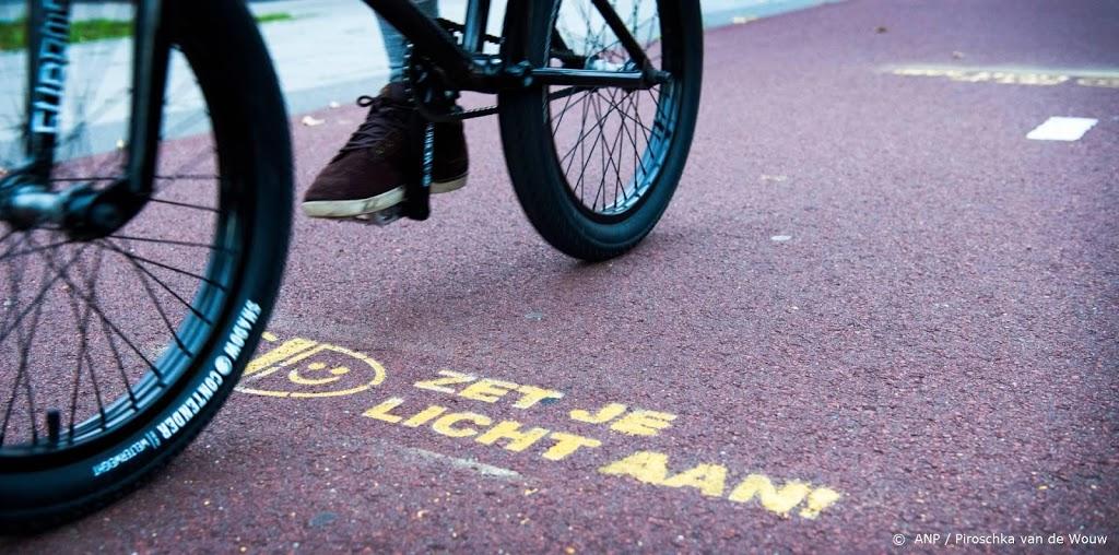 ANWB: kwart kinderen heeft fietslampen niet aan in het donker