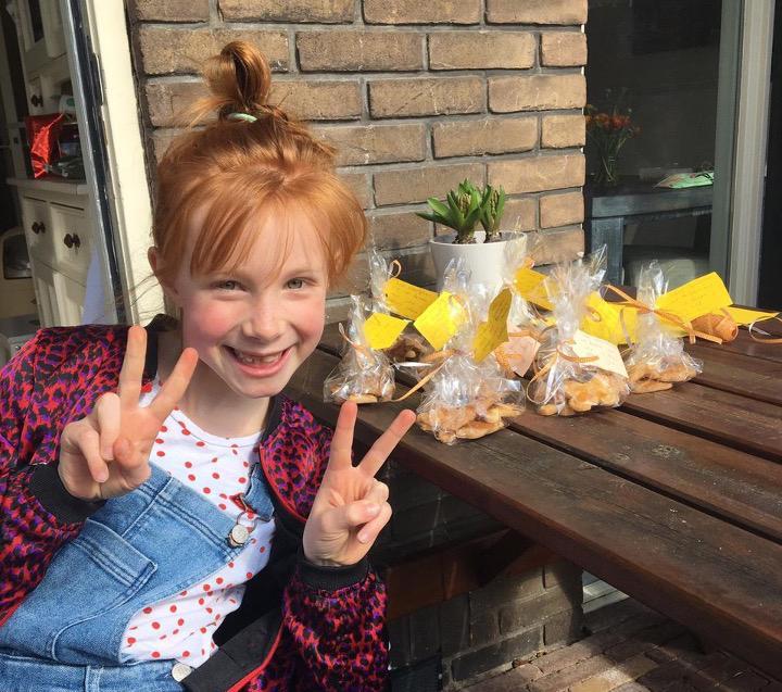 Haarlemse Novi bakt koekjes als troost voor ouderen