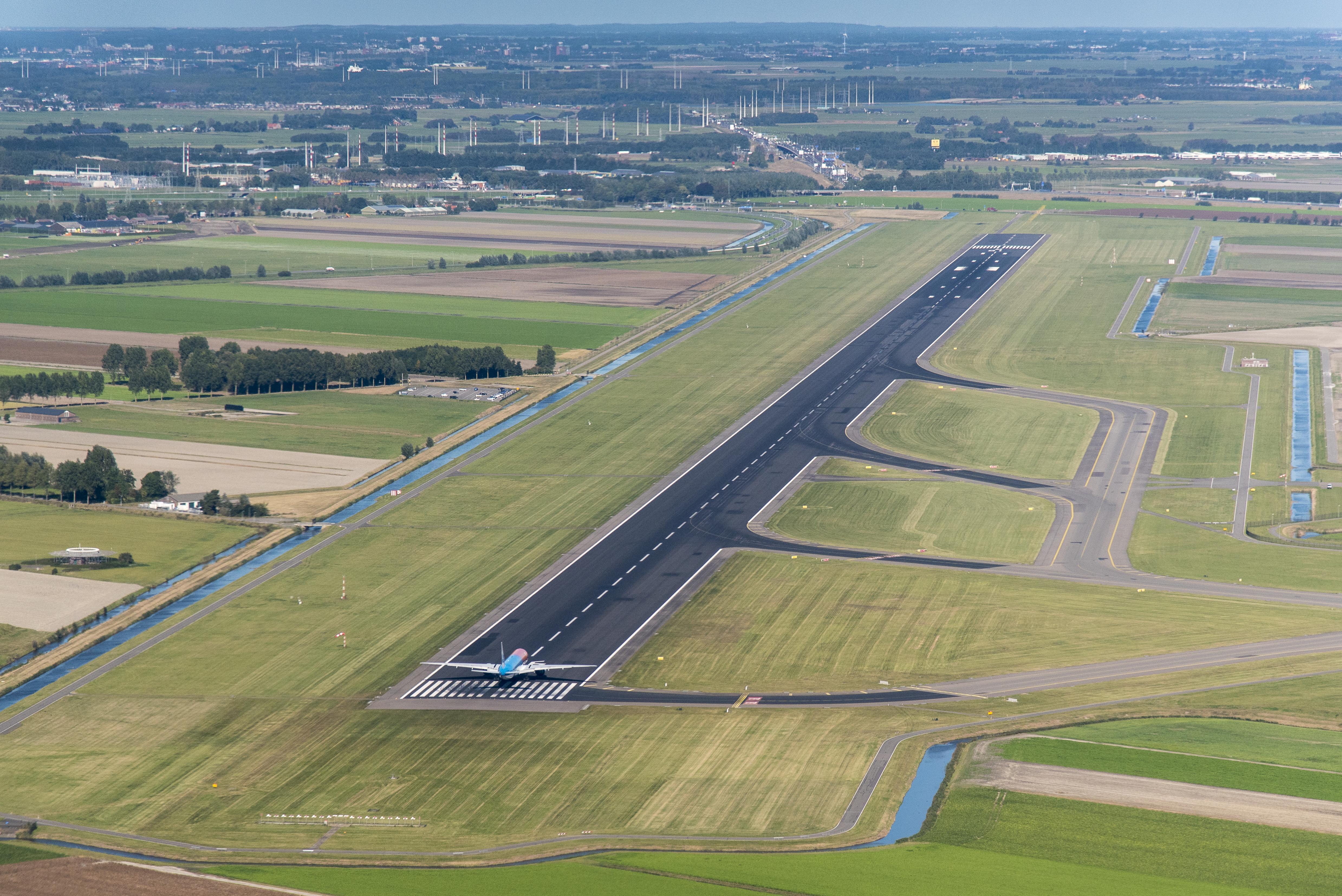 Groot onderhoud: dertien weken lang geen vluchten via Polderbaan