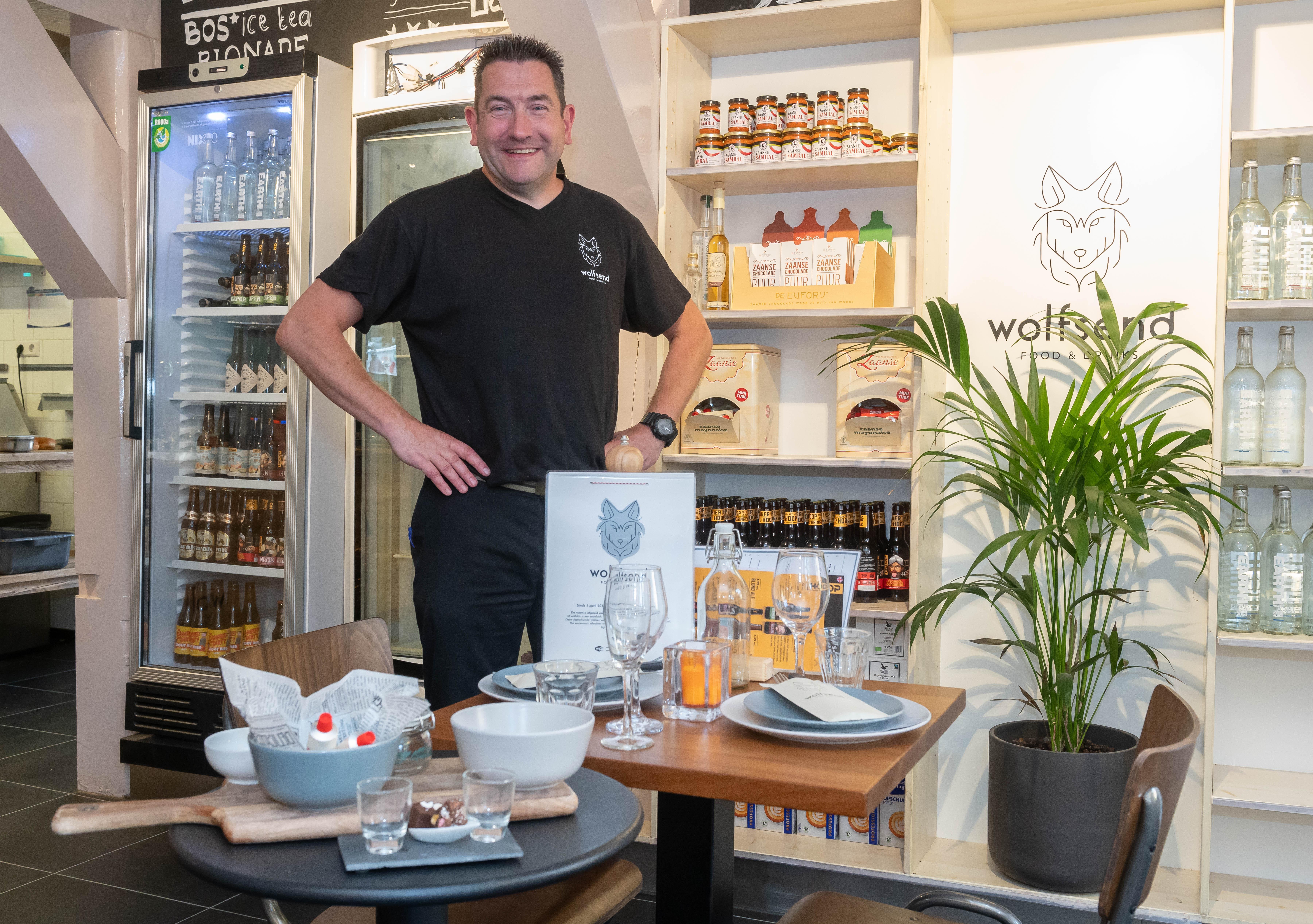 Jeroen Gruijs gooit het roer om: dág toeristen, hallo Zaankanters; 'toeristenzaak' Wolfsend wordt trendy eetcafé