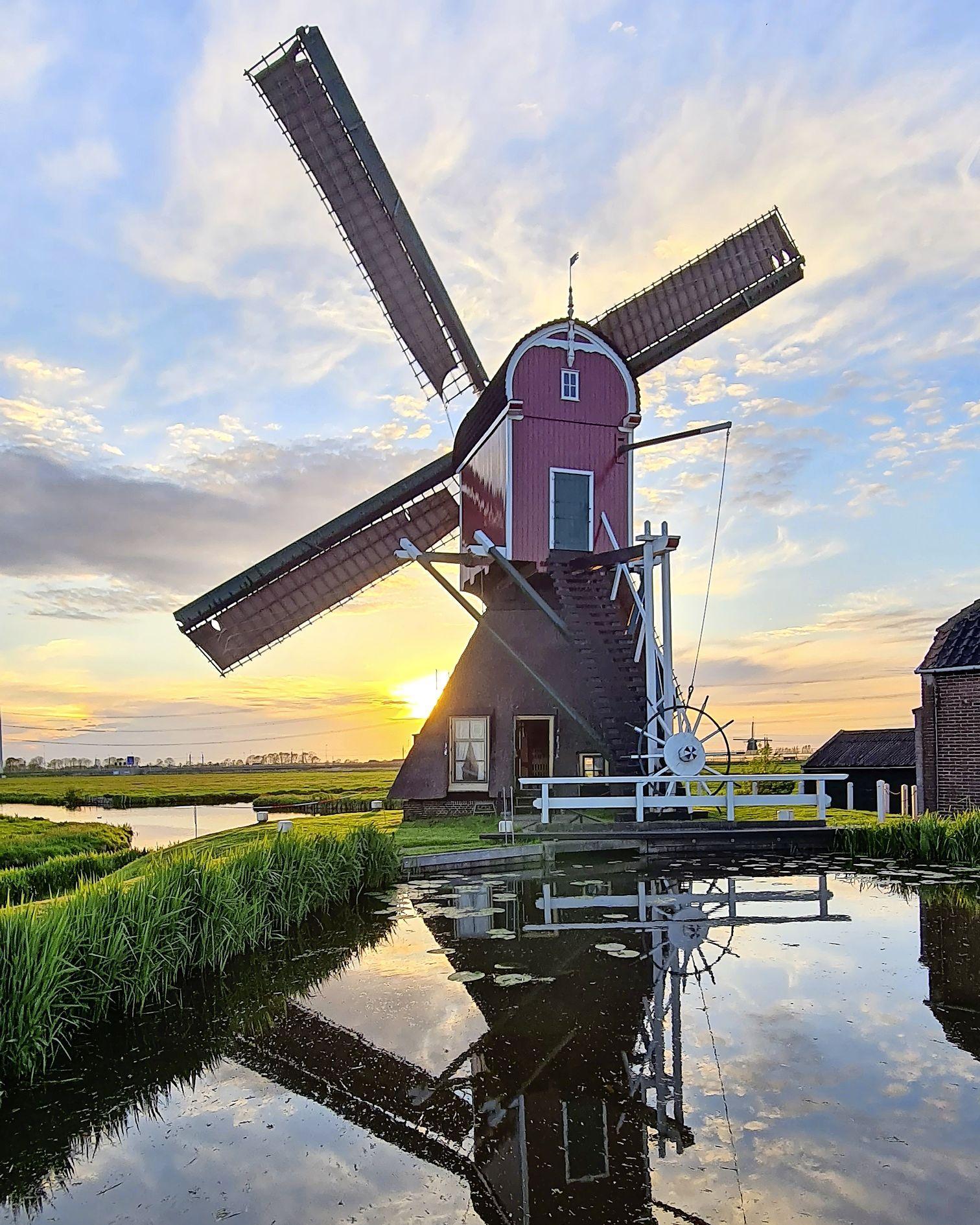 Ruud Bax valt in de prijzen met foto van de hoogsteigen molen 'De Heerlijkheid' bij Hoogmade