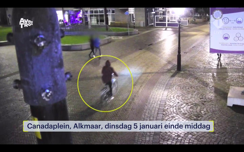 'Ik schoot meteen vol en kreeg kippenvel!' Slachtoffer Carla (54) is er vrij zeker van dat de man op de beelden van 'Opsporing Verzocht' de Alkmaarse serieaanrander is [video]