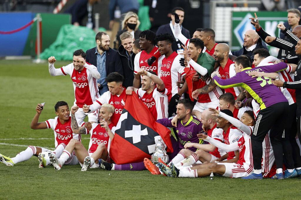 Ajax hoopt dat het zondag na duel met AZ feest mag vieren