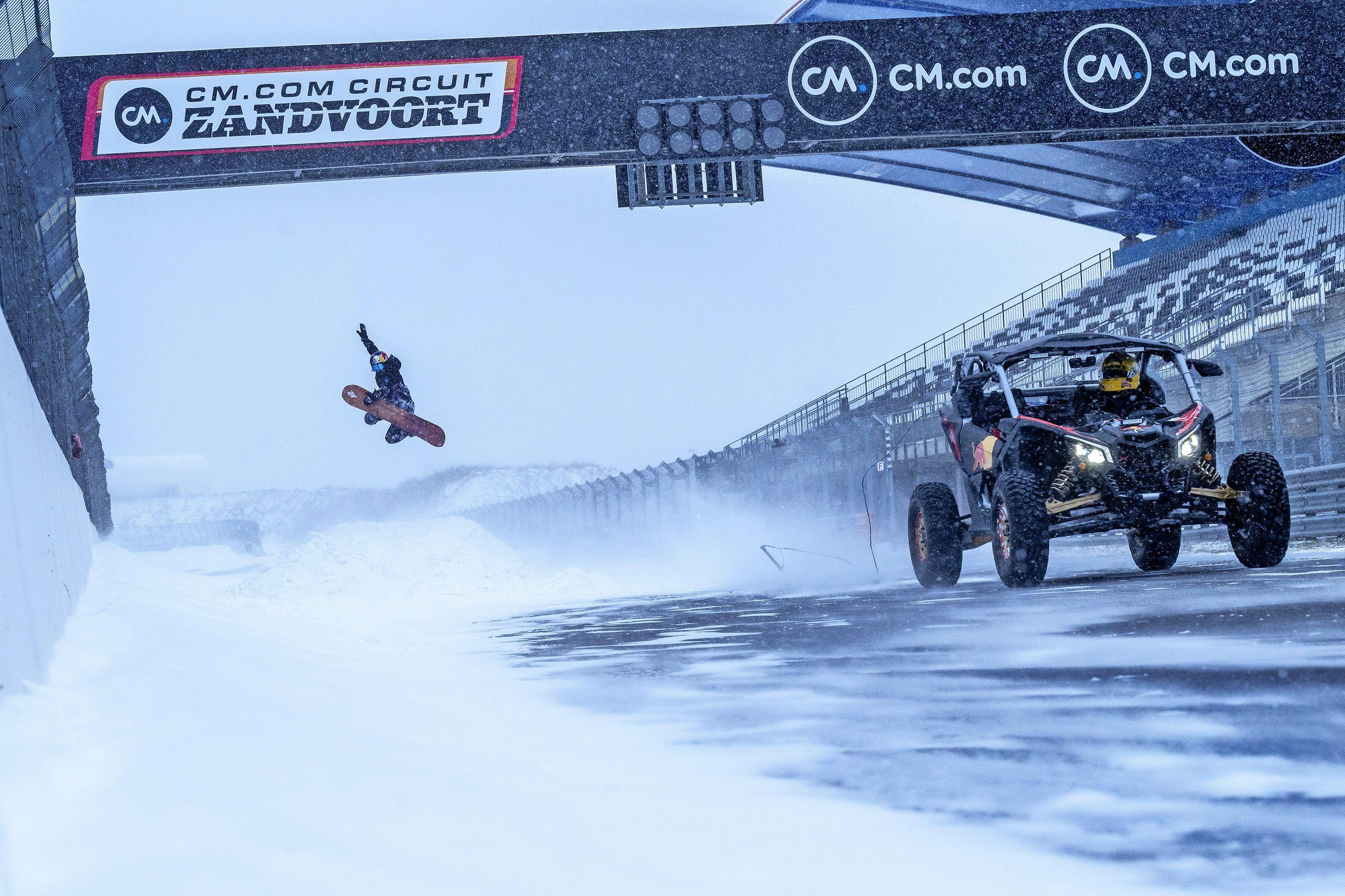 Melissa racete met een snowboard achter een auto over het circuit: 'Mijn board kan ik weggooien. We gingen wel negentig kilometer per uur' [video]