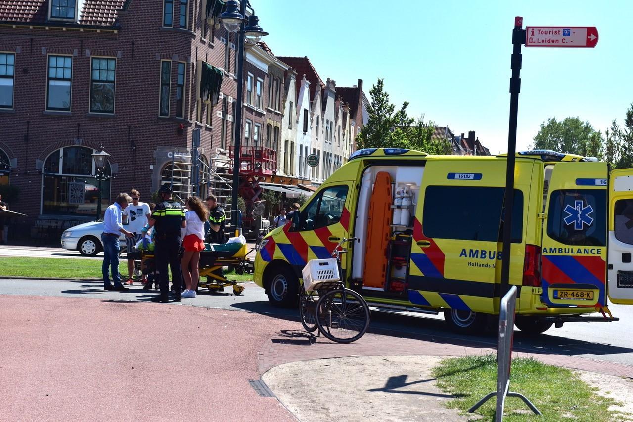 Meisje gewond door val met fiets in Leiden