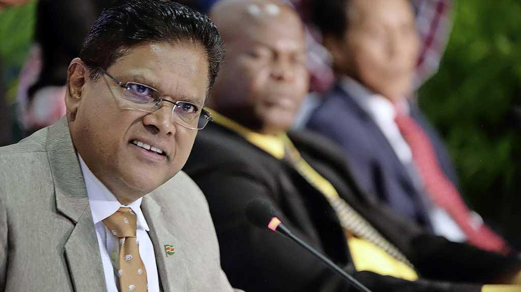 Santokhi staat open voor uitlevering Bouterse aan Nederland ...