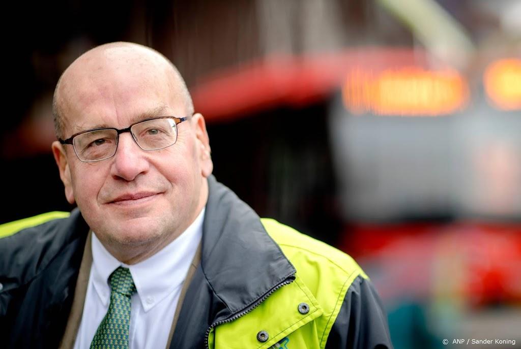 Oud-officier Teeven maakt in proces-Holleeder reis door verleden