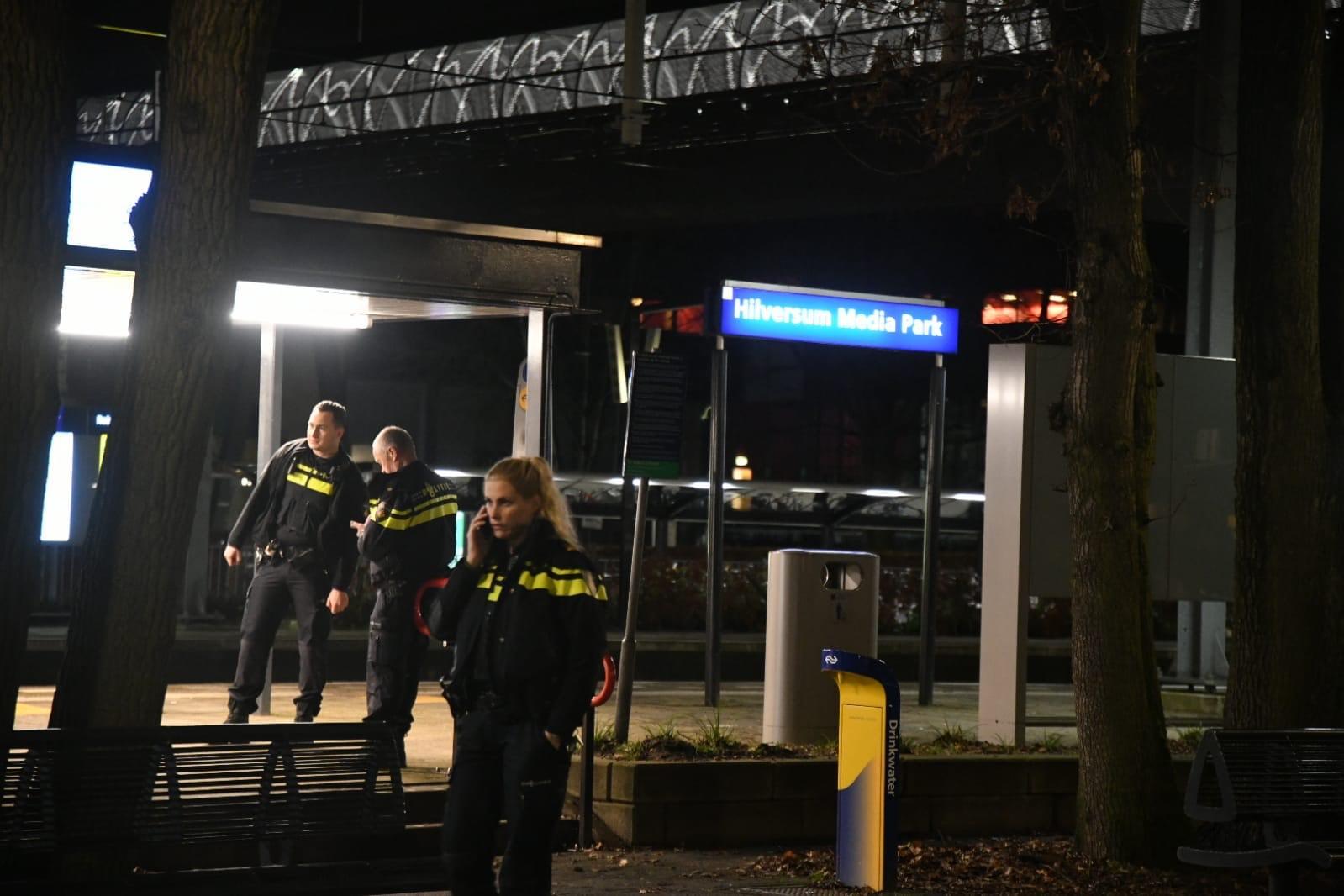 Station Hilversum Media Park enige tijd dicht door achtergelaten rugtas