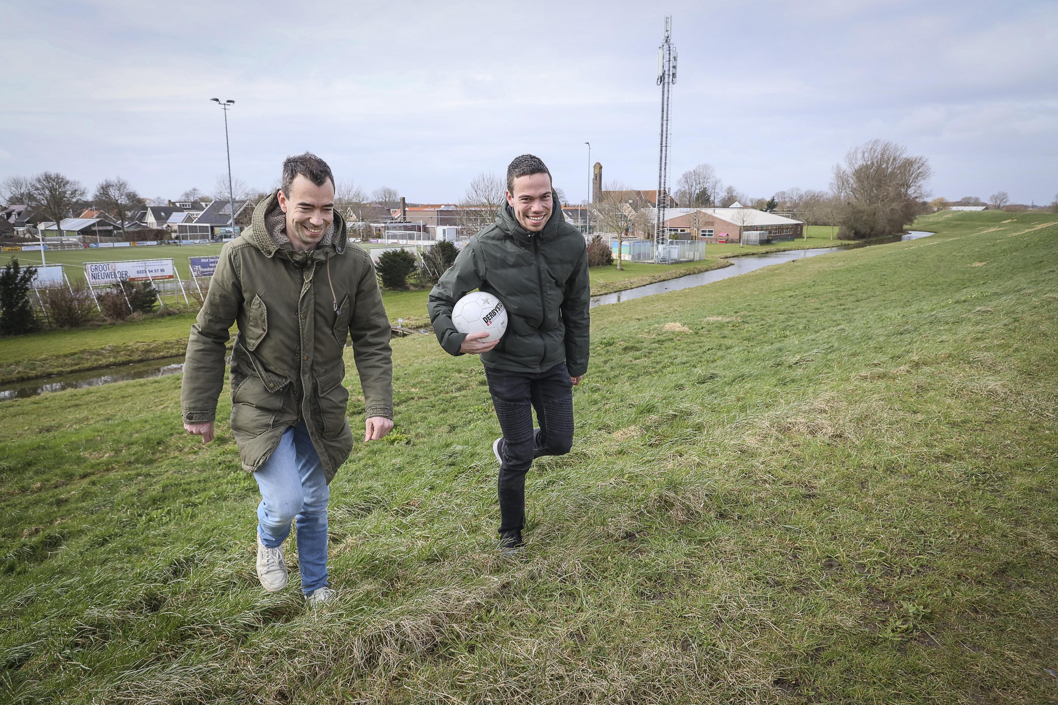 De gebroeders Broedersz herenigd: Bryan keert terug bij Strandvogels nu gepensioneerde Gerald weer is gaan voetballen