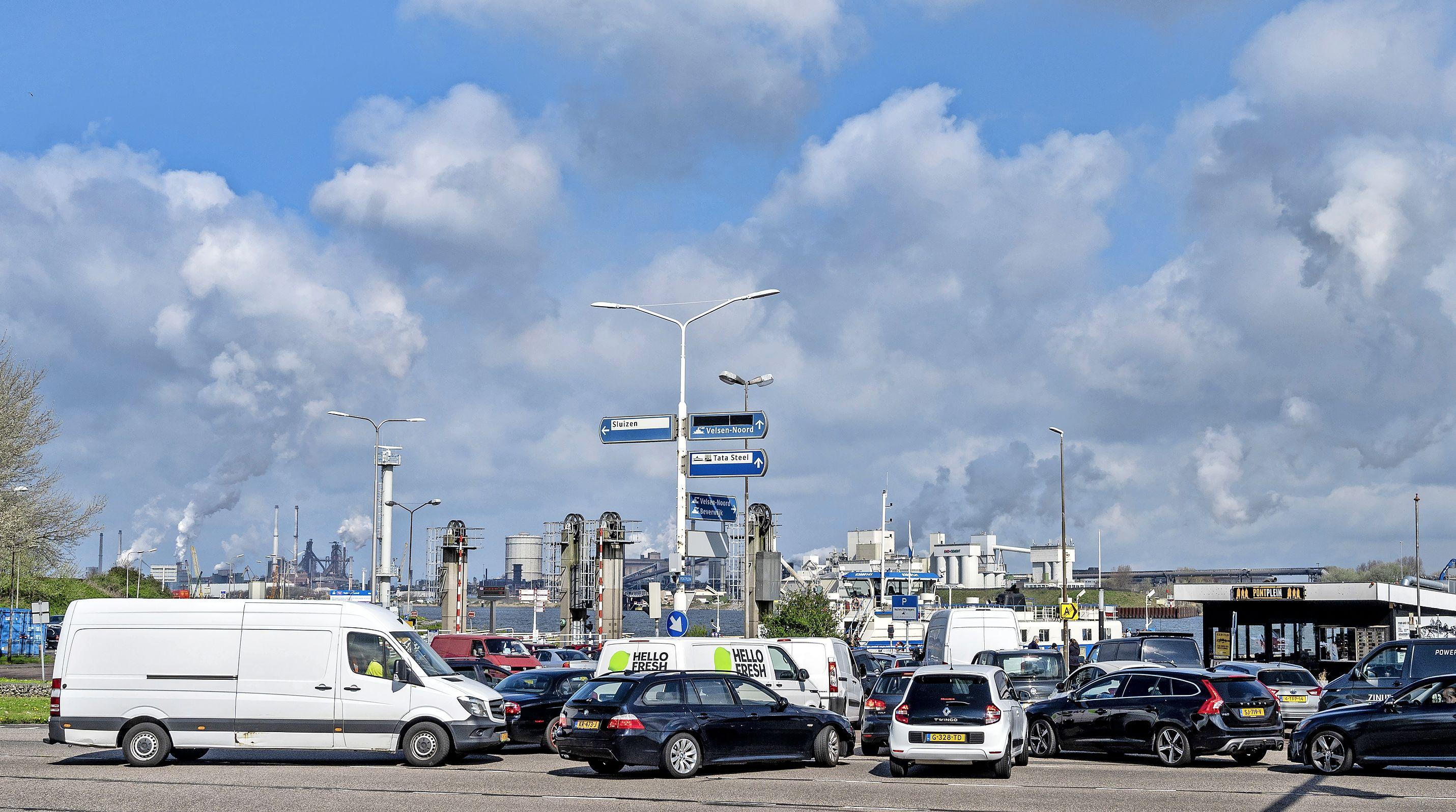 Dit weekeinde is de Velsertunnel weer dicht, om de omleidingen inzichtelijk te maken komt Rijkswaterstaat met een kaartje: 'Omleiding was niet duidelijk genoeg'