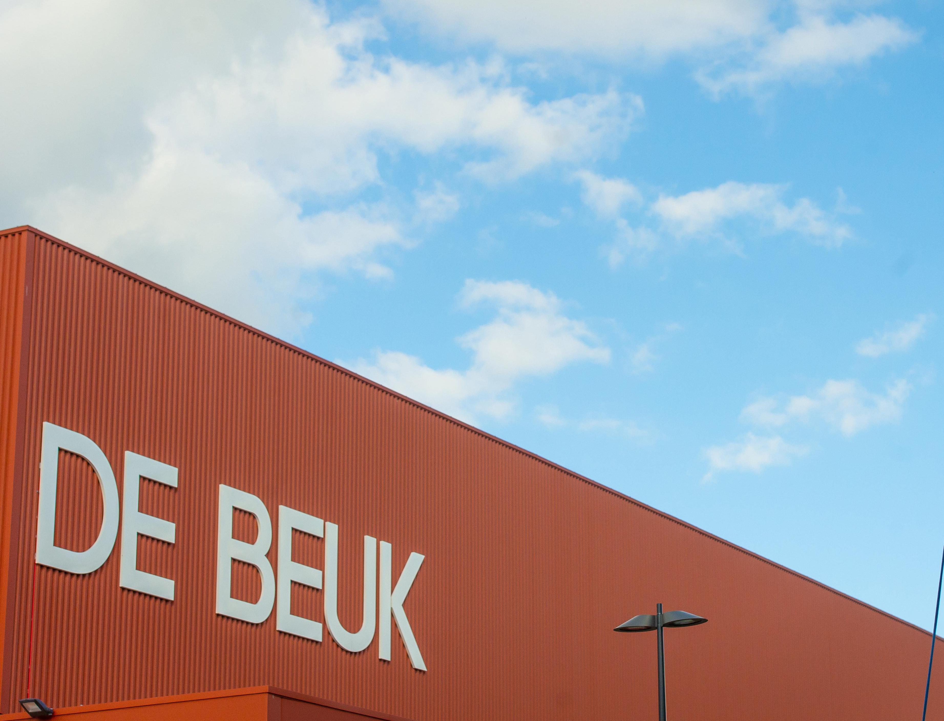 Grieppatiënten moeten naar sporthal De Beuk in Purmerend of sportcentrum De Koog in Koog aan de Zaan: 'Huisartsen willen te grote druk op praktijk voor zijn'