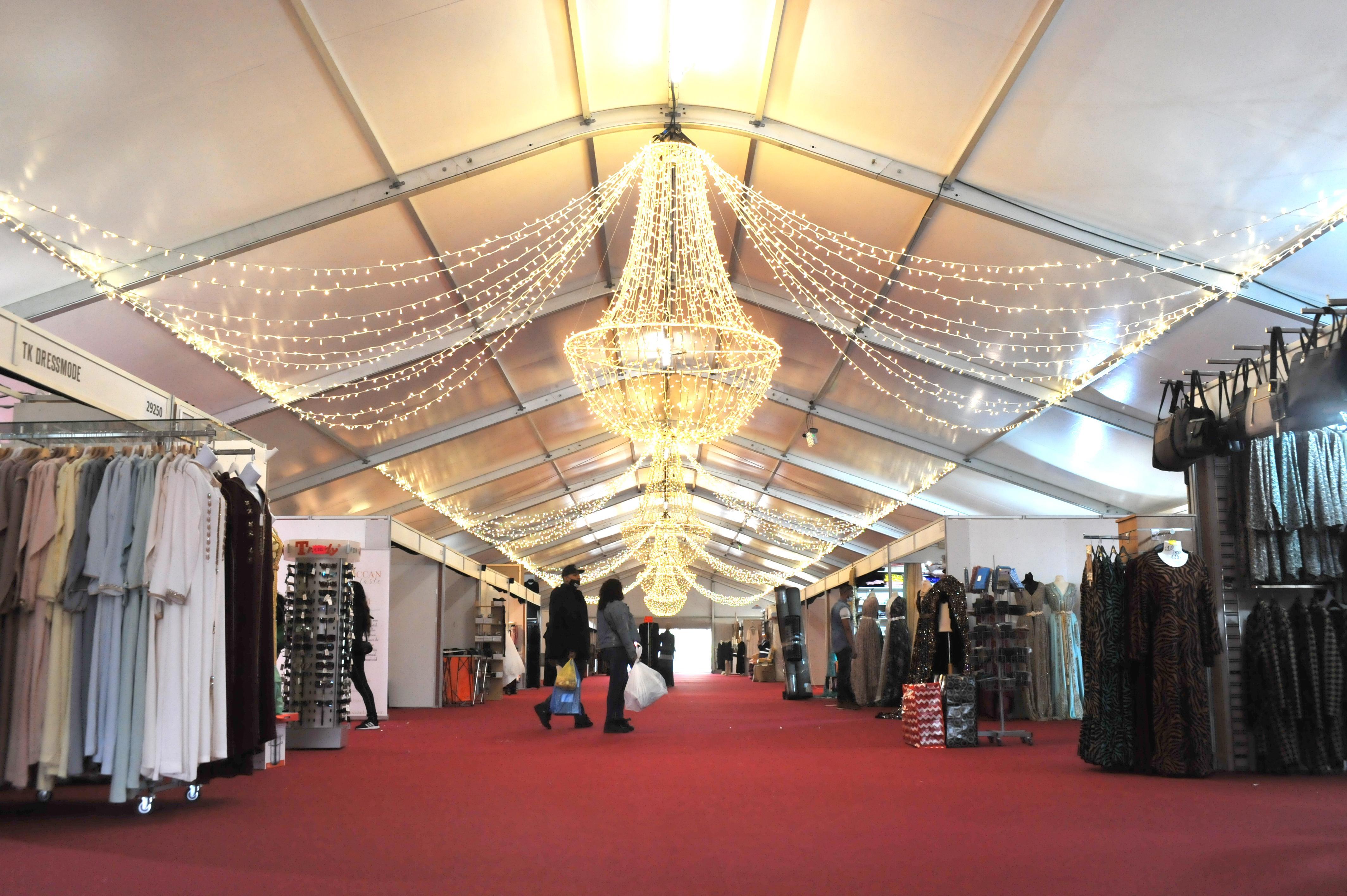 Nieuwe hal van de Bazaar vind ik heel mooi en ruim, maar de bezoekers moeten het nog vinden